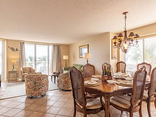 Room for Teaching Lessons * Crescent Shores #112 *WIFI* Pools* Hot Tub*