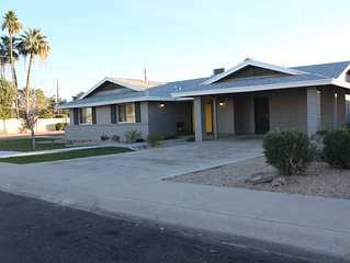 Comfortable Central Tempe Remodel - 2 miles to ASU & Downtown