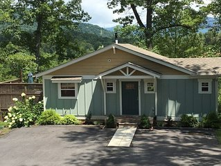 Cottage with Mountain Views and Advanced Cleaning Practices