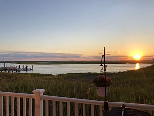 Relaxing Getaway in the Heart of Townsend Inlet- Amazing Views! 4BR & 3.5Bath