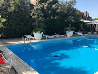Villa unifamiliare con Piscina