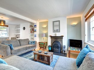 Cheltenham Cottage - Two Bedroom House, Sleeps 4