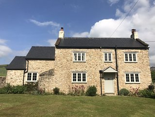 Cosy cottage with large garden in gorgeous rural setting.