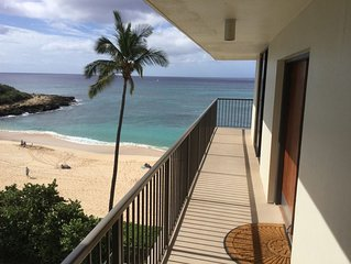 Beautiful Beachfront Corner Unit Condo with wraparound lanai