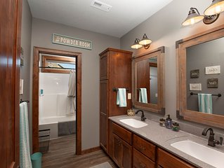 Inspirational Ranch-SUPERBLY CLEAN  with HOT TUB!!!