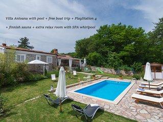 Villa Antoana with pool + free boat trip