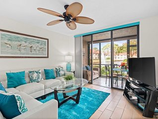 *Villa Bella* Executive 2BR Condo w/2 Pools, Mins to IMG/Beach/Anna Maria Isl