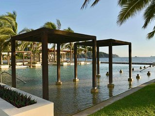 BEAUTIFUL LUXURY CONDO OCEAN FRONT, BEST PLACE IN MANZANILLO! VISIT BEST PLACE!