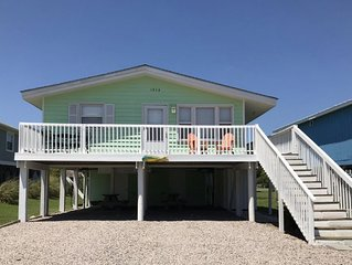 2nd Row Cottage by the Sea - Drink Your Morning Coffee to the Sounds of the Surf