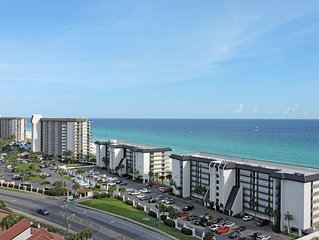 Grand Panama T2 808: 3 BR / 2 BA condo in Panama City Beach, Sleeps 8