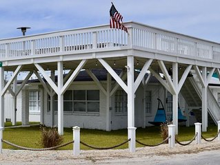 Soulmate: 4 BR / 2 BA beach house in Panama City Beach, Sleeps 10