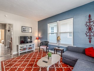 Vintage French Beauty - Newly Renovated & Spacious