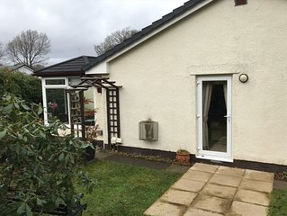*** Three Bedroomed Detached Bungalow in Bowness With Parking and wifi ****