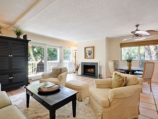 7B Seagrove - Ideal Resort Location! Call for Special Rates! Pool and Amenities!