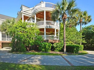 7000 Sq Ft HOME in Kiawah! Amazing Views And Layout!