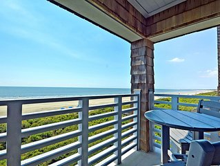 Gorgeous Oceanfront Condo, Great Location!