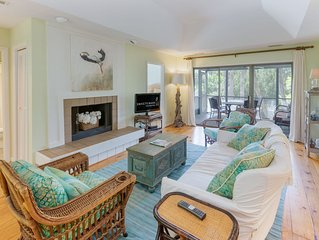 Great Sparrow Pond Unit- Community Pool and Steps to the Beach