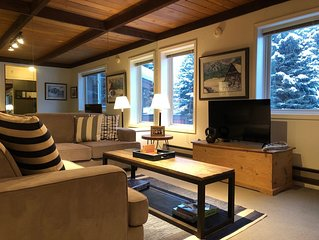 Studio Condo Close to Ski Lifts...Walk to Sun Valley Village!