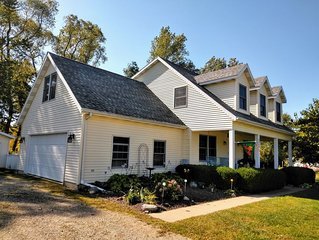 Welcome to Lake Ridge Cottage in beautiful South Haven, MI!