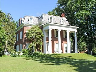The Pillars - 8 Bedroom - Waterfront Historic Home on 3 acres