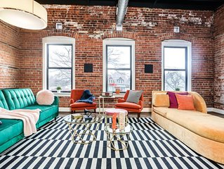 Stunning Huge Vintage 4 BDRM/2BATH Loft Minutes From Downtown!