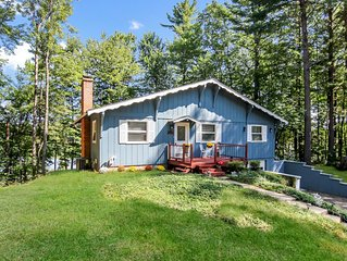 Family Waterfront House-AC-Pet Friendly-Sleeps 10- Gorgeous setting in the woods