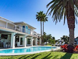 Waterfront Luxury Family Rental in Key Allegro | 15 Aloha, Rockport Texas
