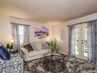 M-2W Beautifully Updated-Plaza Location-Book for March Madness in KC!