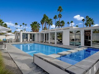 Quintessential Palm Springs contemporary vacation home in historic Twin Palms