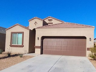 A Great Escape! 4 Bedroom, Sleeps 6 with Office in San Tan Valley.