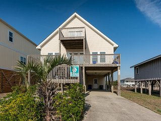 Five Sons: 3 BR / 2 BA home in Oak Island, Sleeps 6