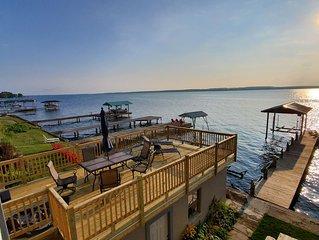 Beautiful lakefront new rental, stunning views along Seneca wine trail, Geneva.