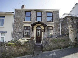 This charming former Fisherman's cottage dates back to the 1850s, but today it o