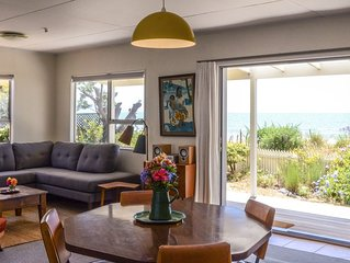 Beachfront Bach, 1min to ocean, breathtaking views, family friendly