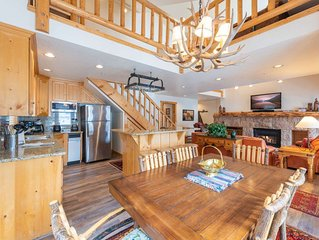 Exquisite 3BR/3BA Deer Valley Ski Home, Mountain Views, Large Deck w/ BBQ & Pat