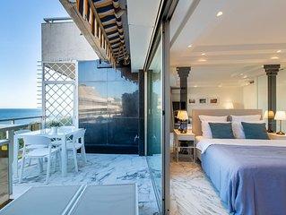 ROYAL PROMENADE : Piscine, terrasse avec vue mer