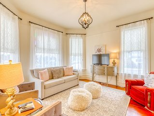 Tastefully-renovated downstairs getaway - only a block from the bay!