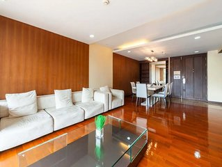 3 BDR Apartment Thonglor- 5 mins from BTS / WIFI / GYM