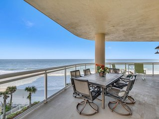 Sweeping Oceanfront Views - Luxury 3 BR/ 3 BA condo 2550 Sq ft - Huge Balcony!