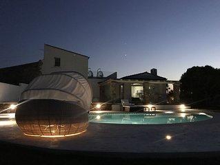 Villa di lusso con piscina  e giardino di 2000mq a pochi passi dal mare