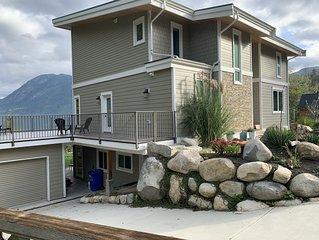 Stunning new home in Sechelt