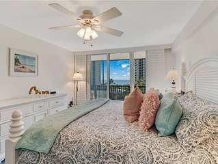 LOCATION! LOCATION! LOCATION! DISCOVER THE CHARM OF NAPLES 2 Beds 2 Baths Condo