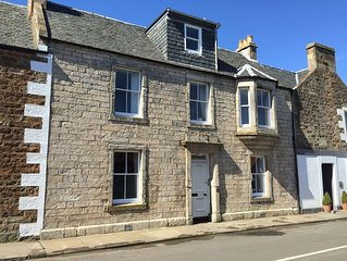 Handsome stone house in the centre of Elie