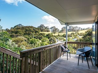 Treetop Retreat - Onetangi Holiday Home