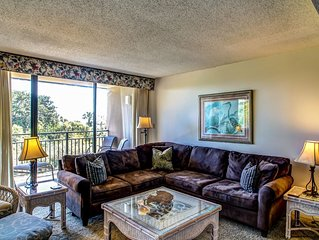 Oceanfront Multi-level Condo! Perfect for larger groups! Enjoy the sea breeze