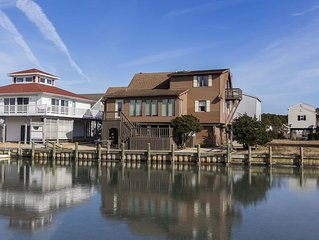 Casa Del Canal is a fabulous Waterfront Vacation Home only minutes from Chincote