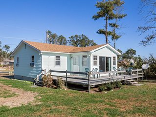 Island View is an incredibly Charming Waterfront Vacation Home on Chincoteague I