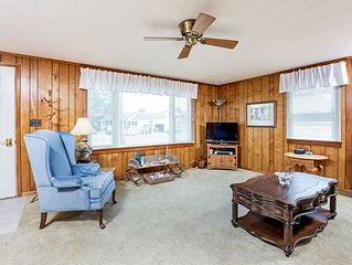 Piper`s Perch is a delightful Chincoteague Island Vacation Rental that sleeps 6
