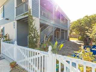 Clean, comfy, fab & fun! Steps from St Augustine beach! A reprieve from life! �