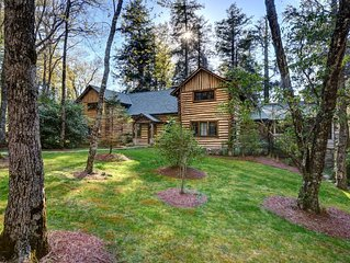 NEW! Luxury 24-acre Mountain Estate~ Joe Webb Log Cabin on Big Creek